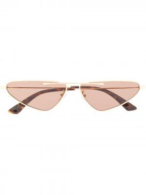 Солнцезащитные очки в оправе кошачий глаз McQ Alexander McQueen. Цвет: золотистый
