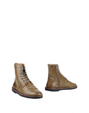 Полусапоги и высокие ботинки GOLDEN GOOSE DELUXE BRAND. Цвет: зеленый-милитари