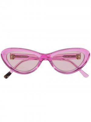 Солнцезащитные очки в оправе кошачий глаз Doublet. Цвет: розовый