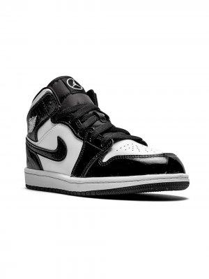 Кроссовки Jordan 1 Mid SE Kids. Цвет: черный