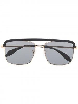 Декорированные солнцезащитные очки Alexander McQueen Eyewear. Цвет: золотистый