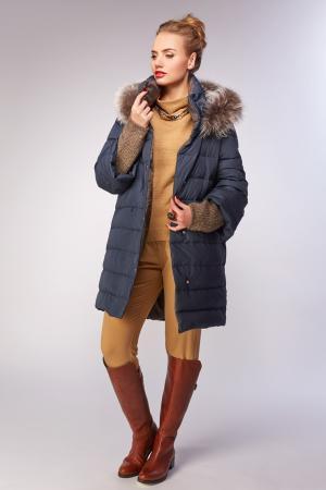 Женский итальянский пуховик для зимы AFG. Цвет: синий
