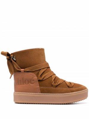 Ботинки с тисненым логотипом See by Chloé. Цвет: коричневый