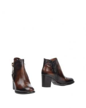 Полусапоги и высокие ботинки FANTASY. Цвет: темно-коричневый