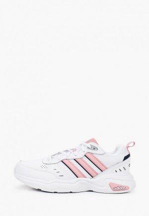 Кроссовки adidas STRUTTER. Цвет: белый