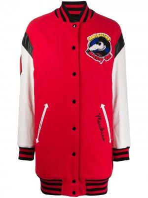 Куртка-бомбер с нашивкой Mickey Rat Moschino. Цвет: красный