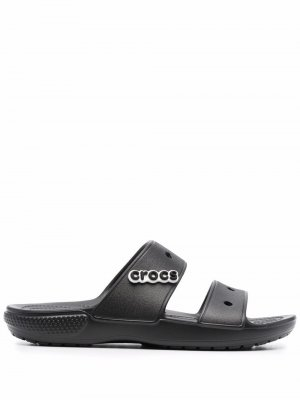 Сандалии с открытым носком и нашивкой-логотипом Crocs. Цвет: черный