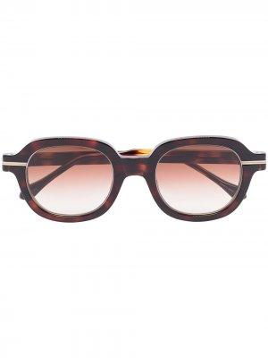 Солнцезащитные очки в круглой оправе Matsuda. Цвет: коричневый