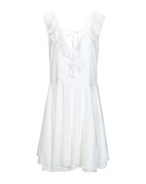 Короткое платье I-AM. Цвет: белый