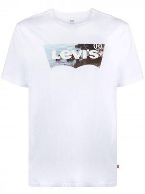Levis футболка с короткими рукавами и логотипом Levi's. Цвет: белый