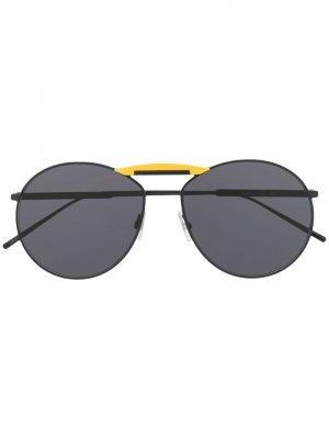 Солнцезащитные очки в круглой оправе Fendi Eyewear. Цвет: черный
