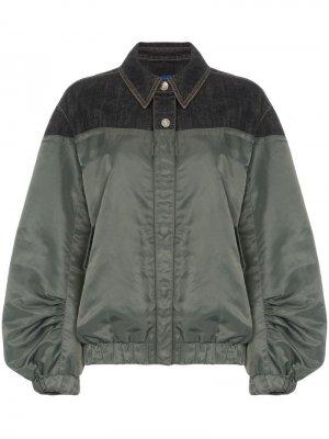 Джинсовая куртка-бомбер SJYP. Цвет: зеленый