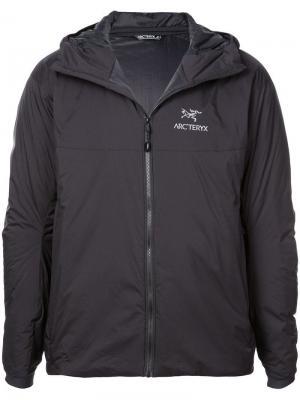 Arcteryx непромокаемая куртка с логотипом Arc'teryx. Цвет: черный