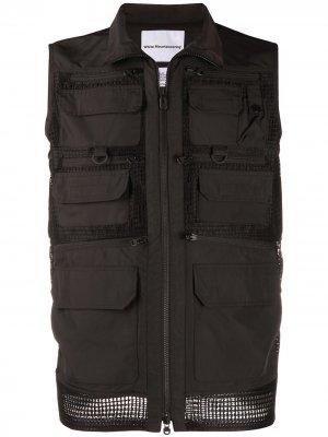 Куртка без рукавов с сетчатыми вставками и карманами White Mountaineering. Цвет: черный