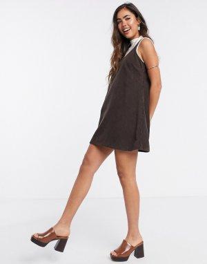 Вельветовое платье-сарафан шоколадного цвета -Коричневый ASOS DESIGN