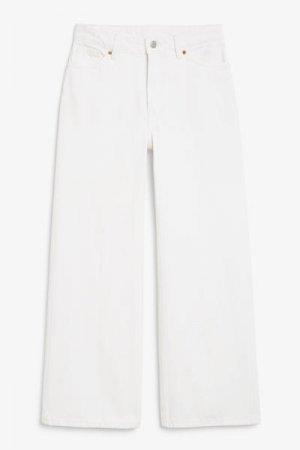 Укороченные джинсы Yoko Monki. Цвет: белый