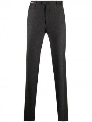 Узкие брюки строгого кроя Corneliani. Цвет: серый