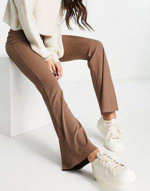 Коричневые расклешенные брюки зауженного кроя в рубчик -Разноцветный Miss Selfridge