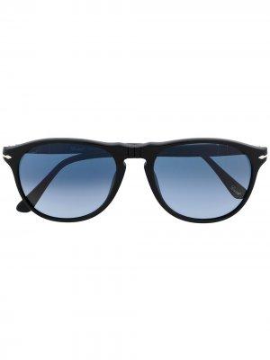 Солнцезащитные очки в геометричной оправе Persol. Цвет: черный