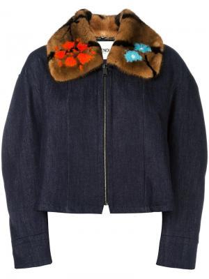Джинсовая куртка с меховым воротником Fendi. Цвет: синий