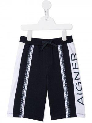 Шорты с контрастными полосками и логотипом Aigner Kids. Цвет: синий