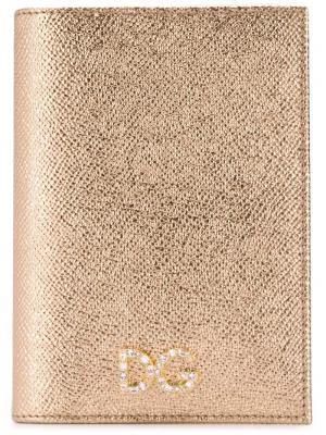 Обложка для паспорта с эффектом металлик Dolce & Gabbana. Цвет: золотистый