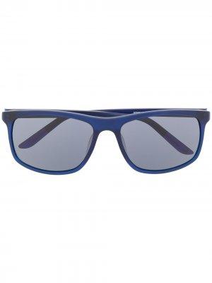 Солнцезащитные очки Lore в квадратной оправе Nike. Цвет: синий