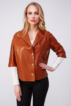 Короткая женская куртка из кожи с английским воротником AFG. Цвет: коричневый
