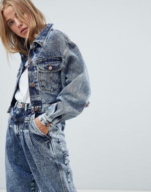 Укороченная выбеленная джинсовая куртка Wrangler. Цвет: синий