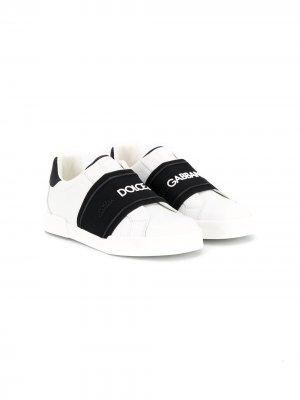 Слипоны с логотипом Dolce & Gabbana Kids. Цвет: белый