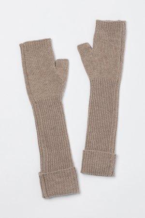 Перчатки-митенки VASSA&Co. Цвет: бежевый