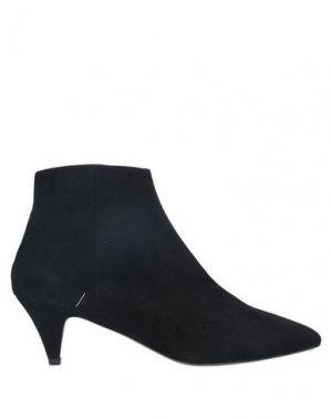 Полусапоги и высокие ботинки JUCCA. Цвет: черный