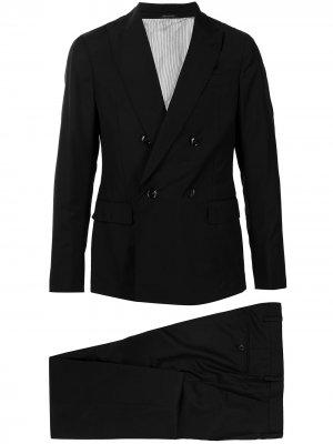 Строгий костюм с двубортным пиджаком Giorgio Armani. Цвет: черный
