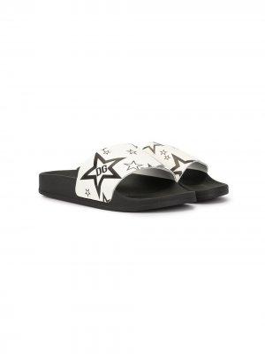 Шлепанцы с принтом Dolce & Gabbana Kids. Цвет: белый