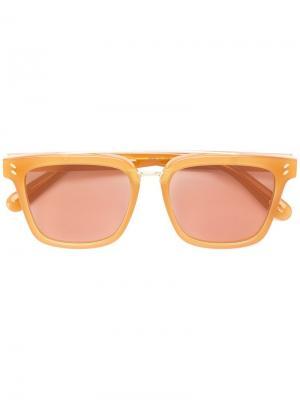 Солнцезащитные очки в квадратной оправе Stella McCartney Eyewear. Цвет: коричневый