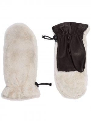 Варежки Cosetta из овчины Agnelle. Цвет: серый