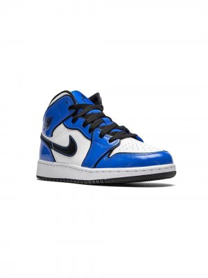 Кроссовки Air Jordan 1 Mid SE GS Nike Kids. Цвет: синий