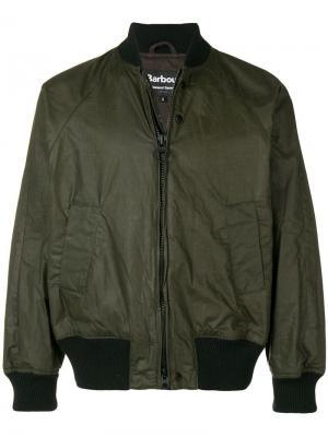 Куртка-бомбер на молнии Barbour. Цвет: зеленый