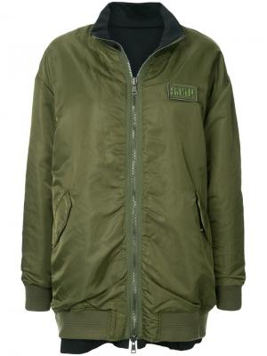 Двухсторонняя куртка-бомбер в стиле оверсайз SJYP. Цвет: зеленый