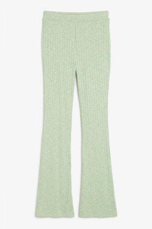 Расклешенные брюки в рубчик Monki. Цвет: зеленый