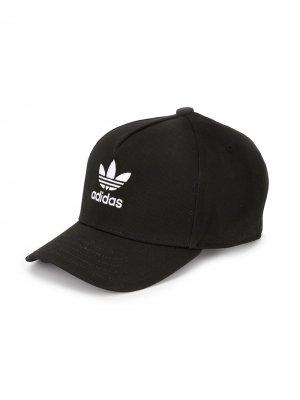Бейсболка с логотипом adidas Kids. Цвет: черный