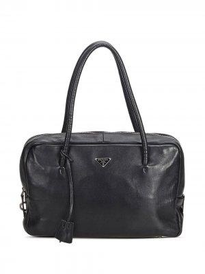 Сумка-тоут с треугольным металлическим логотипом Prada Pre-Owned. Цвет: черный