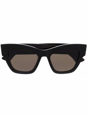 Солнцезащитные очки в квадратной оправе Han Kjøbenhavn. Цвет: черный