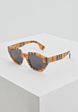 Очки солнцезащитные Burberry BE4288 377887. Цвет: красный