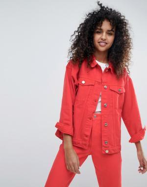 Красная джинсовая куртка Monki. Цвет: красный
