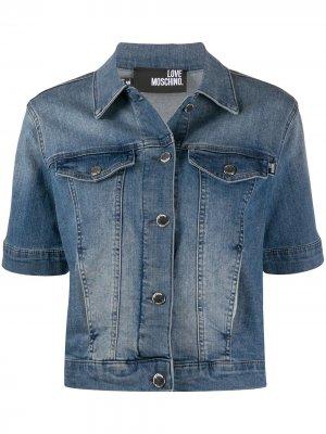 Джинсовая куртка с эффектом потертости Love Moschino. Цвет: синий
