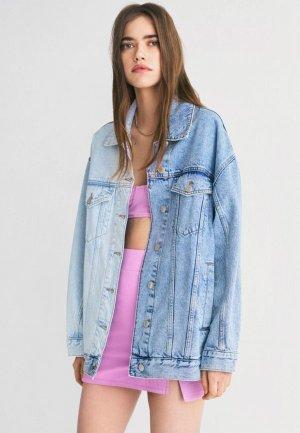 Куртка джинсовая Bershka. Цвет: голубой