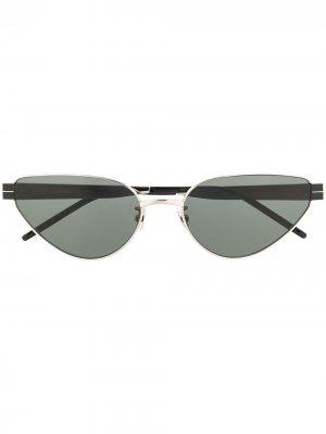 Солнцезащитные очки в оправе кошачий глаз Saint Laurent Eyewear. Цвет: серебристый