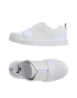 Низкие кеды и кроссовки DR. MARTENS. Цвет: белый