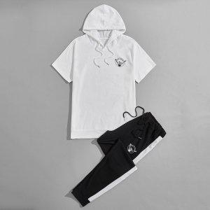 Мужской с текстовым принтом на кулиске Толстовка & Спортивные брюки Набор SHEIN. Цвет: черный и белый